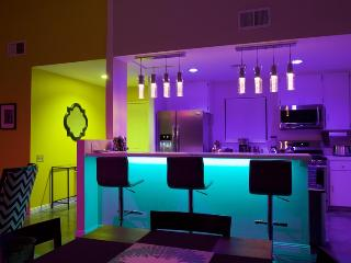 PS009 LUX 3BR Oasis with Pool!, Palm Springs