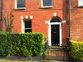 3 BEDROOM TOWNHOUSE CLOSE TO CITY, Dublin