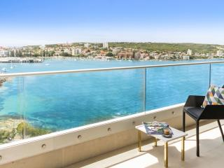 Harbourside apartment, incredible views, Fairlight