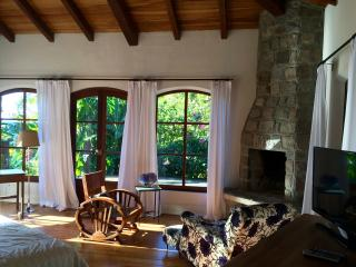 Hacienda La Talamanca - Guest Bedroom, Volcan