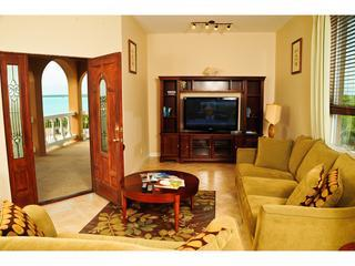 Luxury WATER VIEW 2 BED Villa, Five Cays Settlement