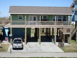 NO WORRIES~ Great Beach View ~ 100 ft from Beach, Crystal Beach