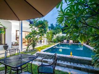 promo villa with private pool not share
