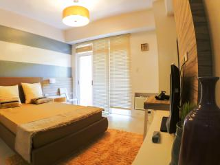 Pico de Loro, Hamilo Coast Nasugbu, Room for Rent