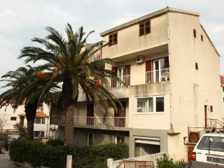 35326 A1(2+2) - Makarska