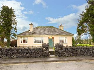 LAUREL LODGE, bungalow with three double bedrooms, open fire, garden, shop and