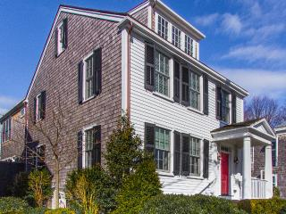 ALLNW - Historic Luxury Retreat with Pool, Village Location, Walk to In-town Beaches,  Steps to Main St, Gourmet Dining, Boutique Shops, Edgartown