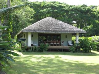 Otemanu Cottage -  Absolutely Waterfront!, Port-Vila