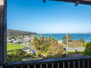 Beautiful home with water views, Hobart