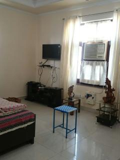 Independent Duplex Guest House in Heart of city Karnal Haryana India. Fully Ac, Gym and SPA ,Solar w