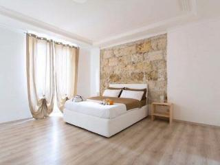 Tosca  suite luxury apartments, Palermo