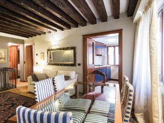 FOSCARI SUITE IN THE REAL HEART OF VENICE (up to 5 people)
