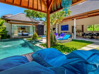 VillaLey Villa By Bali Villas Rus -EAT STREET and CLOSE TO THE BEACH, Seminyak