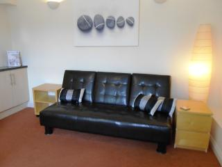 F/F 1 Bedroom Flat in Southbourne - Southern Road FM746