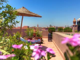 Riad Al Karama Suite Paprika