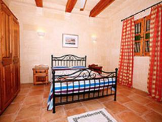 Standard bedroom, Qala