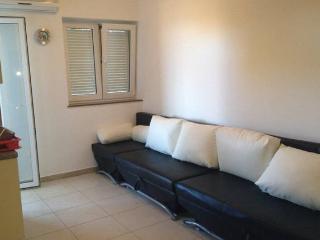 Rada nice apartment for for 2 people near sea!, Novalja