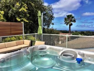 Just Listed! 4 Bedroom + Ocean Views + Hot Tub