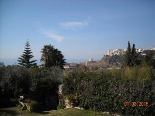 Ville vista mare con giardino a Sperlonga