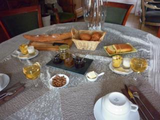 petit-déjeuner à la table d'hôtes