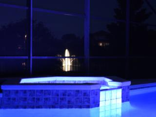 Big Pool Villa with a Hot Tub, Kissimmee