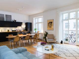 Stunning Apartment - Best Location on Vesterbro!!!, Copenhague