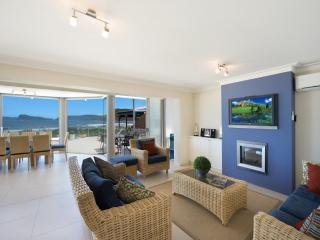BAY VISTA 1 - ABSOLUTE BEACHFRONT