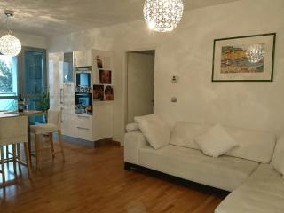 Cozy and modern apartment, Bolonia