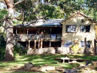 YellowtailStay - The Courtyard Room, Stanwell Tops