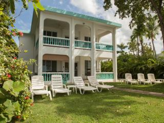 3 or 6 Bedrooms -  Beachfront Home - Best Swimming Beach