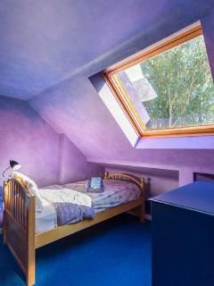 Upstairs Loft Bedroom with Two Twins