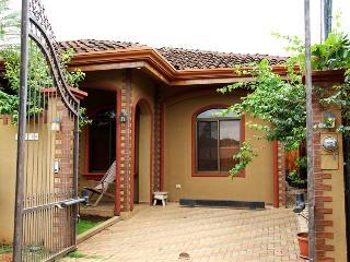 2 bedroom 2 bathroom House with Pool, Playas del Coco