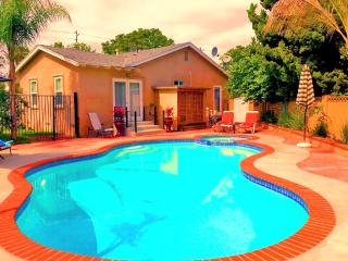 House with pool 5 min. to Disney Land