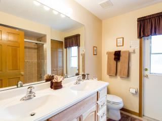 Dolphin Villa at Doral Woods, includes WiFi and Ga, Kissimmee