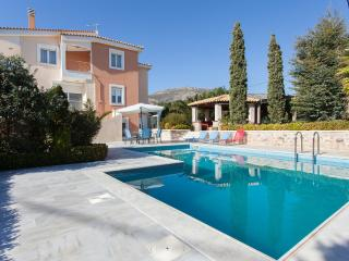 Luxury Villa Lagonisi/ SwimPool Beach