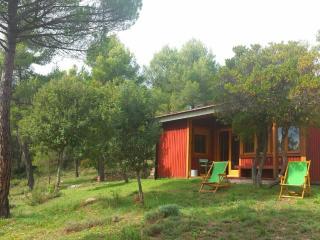 CASA REFUGIO DE MADERA en medio de la naturaleza, Castelltercol