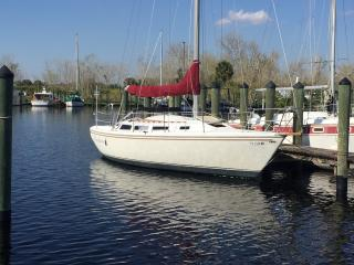 30 ft Catalina sailboat