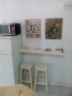 Backside of the kitchen area / Detrás de la cocina