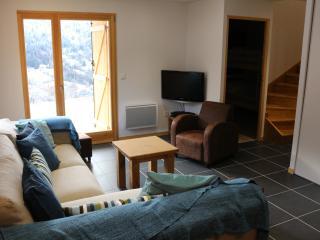 Sitting room; door to bedroom 4