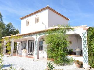 Vinuela peaceful holiday in beautiful surroundings