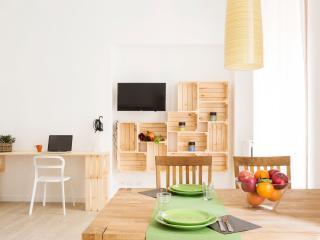TorinoToStay Apartments - 'La casa del mercato'