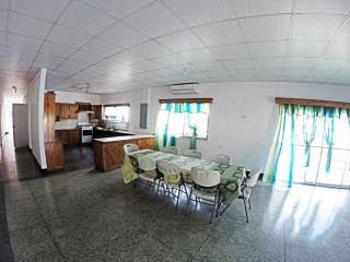 Newly remodeled Spacious Clean Safe Home, Tunapuna