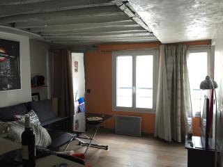 2 rooms in the heart of the Marais, Paris