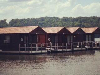 Floating Cabins, Guntersville