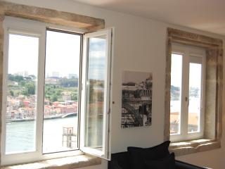 TOP FLAT - Amazing River Views - 1 bedroom Apt, Oporto