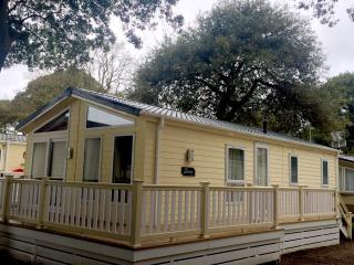 Holiday Lodge in Mudeford with a sea view, Christchurch