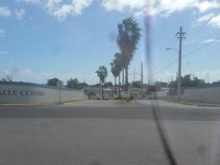 Gated Community House, Santa Isabel