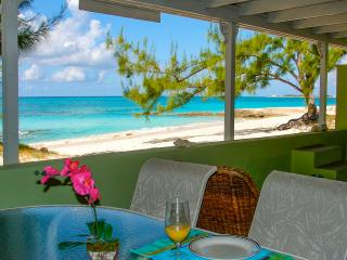 Crabtree Apartments - Grand Turk - Beachfront, Cockburn Town
