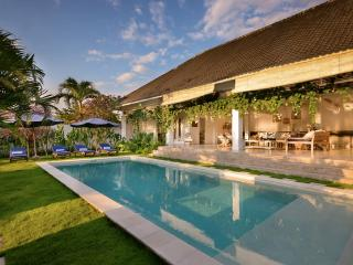 Maison congo is 3 bedroom villa in seminyak,umalas, Seminyak