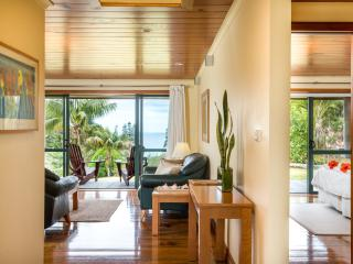 Kushu Cottage - open plan living with stunning ocean views from every room